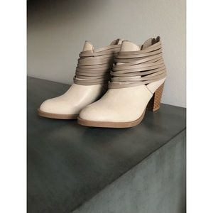 Rampage Shoes - Rampage Neutral Booties - Size 7.5